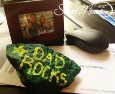 Dad Rocks! Paperweight - Tell Dad exactly how you feel with this simple and creative craft the kids can do themselves. Tags: Father's Day crafts | DIY Father's Day gifts | Father's Day crafts for kids | SuperMoms360.com