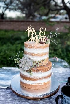 Mr Mrs Cake Toppers, Love Cake Topper, Wedding Cake Toppers, Wedding Cakes, Diy Wedding Decorations, Wedding Themes, Our Wedding, Wedding Ideas, Baby Reflexology