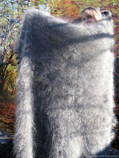 """Пуховая шаль """" В старых традициях """" - купить или заказать в интернет-магазине на Ярмарке Мастеров   Пуховые платки издавна считают целебными. Козий… Fluffy Sweater, Mohair Sweater, Wool Sweaters, Turtleneck, Gros Pull Mohair, Mohair Blanket, Angora, Bed Throws, Sweater Outfits"""