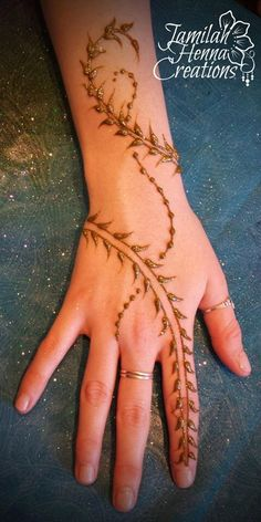 Arabic vine henna www.jamilahhennacreations.com