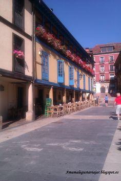 Plaza El Fontan en la que se hace el mercadillo. Oviedo