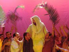 Mañana, 1 de abril es Domingo de Ramos, el inicio de la Semana Santa, el evento más importante en la Historia de la Humanidad, Dios se hizo hombre y murió por nosotros para darnos el perdón, la salvación y la vida verdadera y eterna.