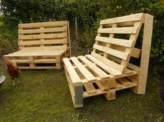 This time we are with this very easy and new DIY wooden pallet out door pallet garden furniture would built for you for your outdoor and indoor areas that's wooden pallet furniture make's your home so beautiful and gorgeous looking which make you out Pallet Garden Furniture, Outside Furniture, Diy Outdoor Furniture, Reclaimed Wood Furniture, Pallets Garden, Diy Furniture, Wooden Pallets, Wooden Diy, Palet Exterior