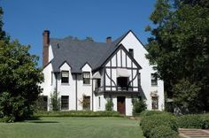 Agents from TheSouthernLandBrokers can help you find the ideal property you want. These agents can also help you make decisions and plans before your purchase. Home Renovation, Home Remodeling, Pressure Washing Services, Real Estate Articles, How To Become Rich, Old Houses, Home Values, Home Buying, Beautiful Homes