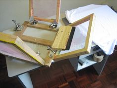 how to build a screen printing press for 50 Screen Printing Press, Screen Printing Machine, Funny Screen Savers, Cool Lock Screens, Humble Design, Iphone Homescreen Wallpaper, Wooden Screen, Creative Posters, Printing On Fabric