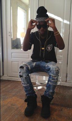 I love a dark skin guy who can dress!