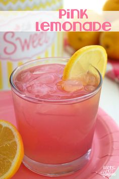 45 Best Nonalcoholic Summer Drinks To Keep Things Subtle, Refreshing and Kid Friendly Here are 45 Summer Drinks - Nonalcoholic for those who want to keep things subtle and kid friendly. Good Lemonade Recipe, Pink Lemonade Recipes, Best Lemonade, Homemade Lemonade Recipes, Pink Lemonade Punch, Easy Alcoholic Drinks, Drinks Alcohol Recipes, Punch Recipes, Yummy Drinks