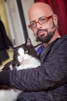 The cat life on pinterest cat cat pet cats and cat lovers for Jackson galaxy petsmart