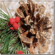 Pinecone Christmas Candle #Glitter