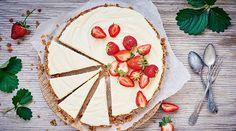 Juhannuksen mökkikakku Piece Of Cakes, Camembert Cheese, Berries, Food And Drink, Dairy, Sugar, Cookies, Chocolate, Baking