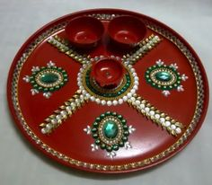 Aarti thali Kalash Decoration, Thali Decoration Ideas, Diwali Decorations, Festival Decorations, Hobbies And Crafts, Diy And Crafts, Beaded Mirror, Trousseau Packing, Diwali Craft