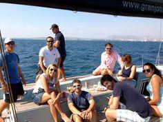 Foto de toda la tripulación del Jotiti durante la 1ª Regata in Port en la VOR