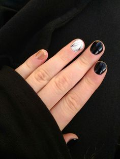 Nails, black&white