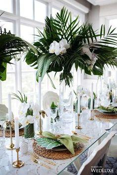 A natureza pode ser uma fonte incrível de inspiração para decorações de casamento. São árvores e folhas incríveis que crescem na nossa paisagem natural e com custo muito menor que as flores.