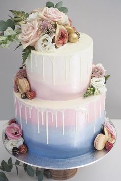 24 Delicious And Trendy Drip Wedding Cakes ❤ See more: http://www.weddingforward.com/drip-wedding-cakes/ #wedding #cakes