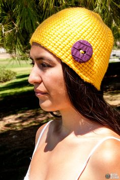 Unisex crochet skull cap made with super bulky yarn by keepongivin