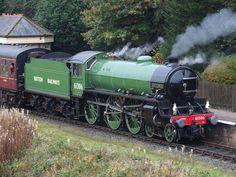 LNER 61306 Mayflower at Irwell Vale, East Lancashire Railway Steam Trains Uk, Old Steam Train, Diesel Locomotive, Steam Locomotive, Old Wagons, Steam Railway, Old Trains, British Rail, Thomas The Tank