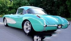 The Chevrolet Corvette (C1) is the first generation of the Corvette sports car produced by Chevrolet. #vette #legendary car #classic car #best corvette Chevrolet Corvette C1, Old Corvette, Classic Corvette, Pontiac Gto, American Sports, American Muscle Cars, Best Muscle Cars, Old Muscle Cars, Chevy Muscle Cars