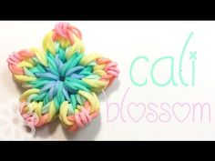 Rainbow loom Forget-me-not bracelet and ring tutorial in english DIY Rainbow Loom Tutorials, Rainbow Loom Patterns, Rainbow Loom Creations, Rainbow Loom Bands, Rainbow Loom Charms, Easy Rainbow Loom Bracelets, Loom Band Charms, Rubber Band Charms, Rubber Band Bracelet