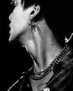 Lemme make some hickeys on his beautiful and pale neck 🥺 Jimin, Min Yoongi Bts, Min Suga, Bts Bangtan Boy, Bts Taehyung, Foto Bts, Bts Photo, Agust D, Hoseok