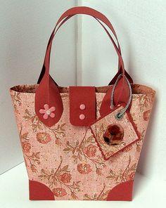 Cute paper purse. See make my own.