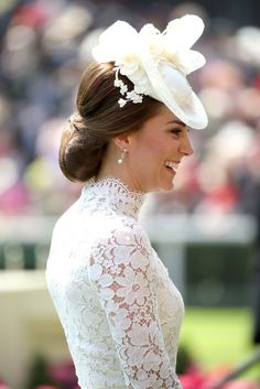 Kate Middleton Photos Photos - Catherine, Duchess of Cambridge attends Royal Ascot 2017 at Ascot Racecourse on June 2017 in Ascot, England. Estilo Kate Middleton, Cabelo Kate Middleton, Moda Kate Middleton, Looks Kate Middleton, Princesse Kate Middleton, Kate Middleton Photos, Princess Kate, Princess Eugenie, Princess Charlotte