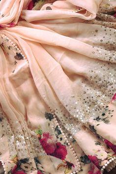 Image may contain: one or more people Chiffon Saree, Saree Dress, Georgette Sarees, Silk Sarees, Indian Sarees, Lace Saree, Saris, Saree Floral, Kurti