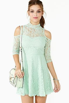 Green mint lace dress. #greenmint #lace #dresses #fashion #women