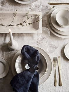 Stunning tableware, linens and handmade pieces to help you create a beautiful Easter table with effortless styling. Head on over to the website to see our full range. How gorgeous does the Astoria range look here styled with our vintage glasses?