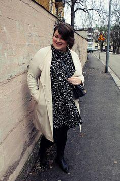Neulottu iso kaulahuivi Duster Coat, Iso, Jackets, Fashion, Down Jackets, Moda, Fashion Styles, Fashion Illustrations, Jacket