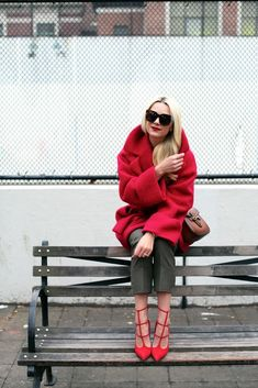 Olive and red // outfit ideas for color blocking, red and green, how to combine pop colors