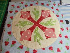 How to applique quilt tutorial with freezer paper.  Very good. Kim's Big Quilting Adventure