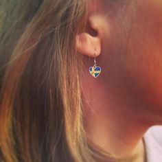 We love Sweden spread the love choose between several European flags and buy now in our store link in bio. . . . #украшения #jewelry #ilovemejewellery #jewellery #sverige #sommar #stockholm #earrings #earring #sol #smycken #fashion #fun #love #schweden #cute #sterlingsilver #handmade #handmadejewellery #sweden