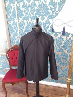 Satin shirt/jacket with pleated collar and cuffs