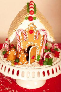 Gingerbread House Création : LITTLE - Petits Gâteaux Crédit Photo : Julie Marie Gene Graphisme : Solenn As Sweet