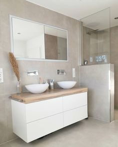 All Details You Need to Know About Home Decoration - Modern Family Bathroom, Modern Bathroom, Small Bathroom, Bathroom Interior Design, Bathroom Styling, Cold Shower, Bathroom Inspiration, Home And Living, New Homes