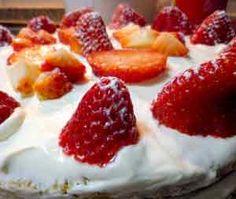 Receta de bizcocho de fresas! mmmm! Tiramisu, Cake Recipes, Strawberry, Fruit, Desserts, Food, Mousse, Apple Muffins, Dessert Recipes