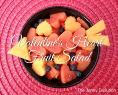 Here's a heart-healthy salad…literally. It's super simple to make these Valentine's Day heart fruit kabobs and one that your kids will absolutely adore. Heart Healthy Snacks, Healthy Fruit Desserts, Fruit Snacks, Fruit Recipes, Fruit Smoothies, Easy Recipes, Fruit Cake Cookies Recipe, Fruit Salad With Marshmallows, Salads For Kids