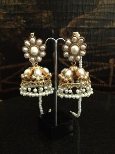 Kundan earrings on order on order estimated time 4 weeks More details please Inbox Us!! contact :Aiiyzz@hotmail.com We also offer worldwide shipping Separate shipping charges are applied for international deliveries.