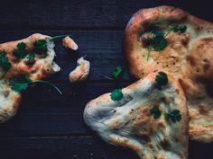 Itse tehdyt naan-leivät (V)