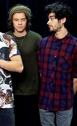 Zarry moment    so cuteee.