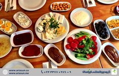 Table spreads cover everything from marinated olives, to bee-licous honey, to fried eggs with sausage, to homemade jams, to the freshest cucumbers and tomatoes you'll ever come across. Turkish Breakfast, Best Breakfast, Turkish Recipes, Ethnic Recipes, Marinated Olives, Best Dishes, Istanbul, First Time, Turkey