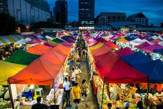bangkok-rod-fai-market-0900.jpg (630×420)
