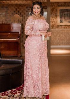 vestido rose plus size Plus Size Formal Dresses, Plus Size Gowns, Wedding Dresses Plus Size, Plus Size Dresses, African Lace Dresses, African Fashion Dresses, Mother Of The Bride Gown, Curvy Dress, Mom Dress
