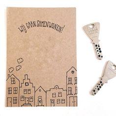 Bestseller! Wist je dat we dit kaartje al ruim 200 keer hebben gemaakt?! #kaartje #lievigheidje #samenwonen #verhuizen #sleutel #grachtenpandjes #huisjes #love #post #echtepostiszoveelleuker #liefde #verhuiskaart #kaarten #handmade #sleutels