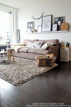 89 Inspiring Modern Living Room Decorations Ideas To Manage Your Home ~ Living Room Modern, Home Living Room, Interior Design Living Room, Living Room Decor, Interior Decorating, Small Living, Deco Studio, Tiny Studio, Small Space Interior Design