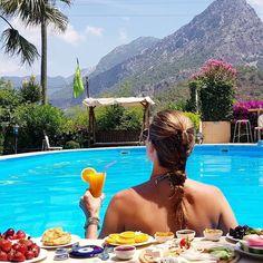 Böyle doğa içinde bir manzaraya karşı keyif yapabilmektir belki de seni bekleyen tatil... 📍 #Adrasan, #Antalya 🏡 www.kucukoteller.com.tr/papirus-otel 📷 Fotograf papirushotel 📞 0242 883 1046 🐶 Evcil hayvan dostu 👨👩👦👦 Çocuklu aileye uygun 🌿 Oda kahvaltı iki kişi gecelik 347 TL.