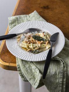 Uovo in Raviolo - Ei in Raviolo mit Salbeibutter Butter, Foodblogger, Dessert, Camembert Cheese, Noodles, Vegan, Dairy, Pasta, Lunch