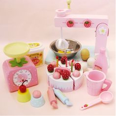 131.59$  Watch now - http://ali66x.worldwells.pw/go.php?t=32542072993 - Baby Toys  Simulation Egg Machine Child Cake Making Play House Wooden Toys Furniture Toys gift 131.59$