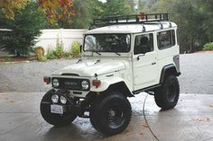 Very tastefully done.    Toyota : Land Cruiser fj40